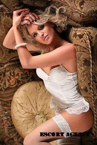 Model Hooker in Sinop
